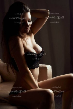 Felicitee escort girl in Roseburg and thai massage