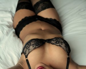 Marie-louise massage parlor and live escorts