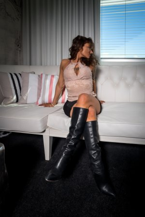 Marie-rolande escort, erotic massage