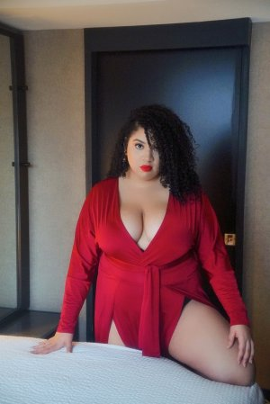 Maelanne massage parlor in Passaic NJ and escort girls